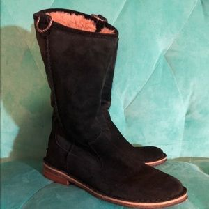 UGG Suede Shearling Lined Adorable & Comfy Boots